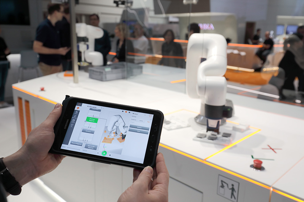 Kuka launches new collaborative robot