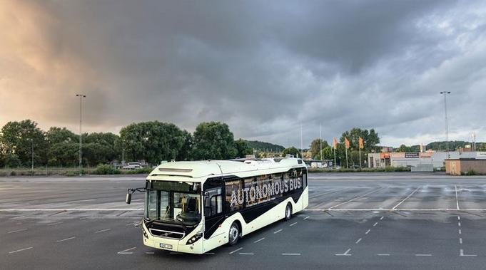 Volvo demonstrates autonomous bus in Sweden