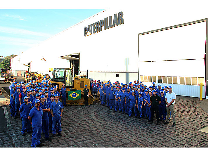 Caterpillar sells 50,000th bulldozer produced in Brazil