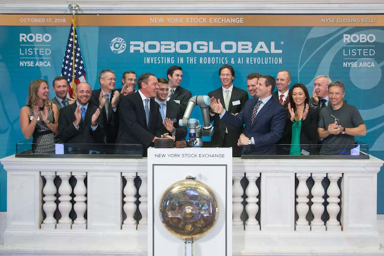 Universal Robots machine becomes first robot to ring bell at New York Stock Exchange