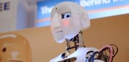 """""""Vi måste ha socialism för att bygga ett robotsamhälle"""""""