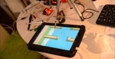 Här är roboten som slår dig i Flappy Bird