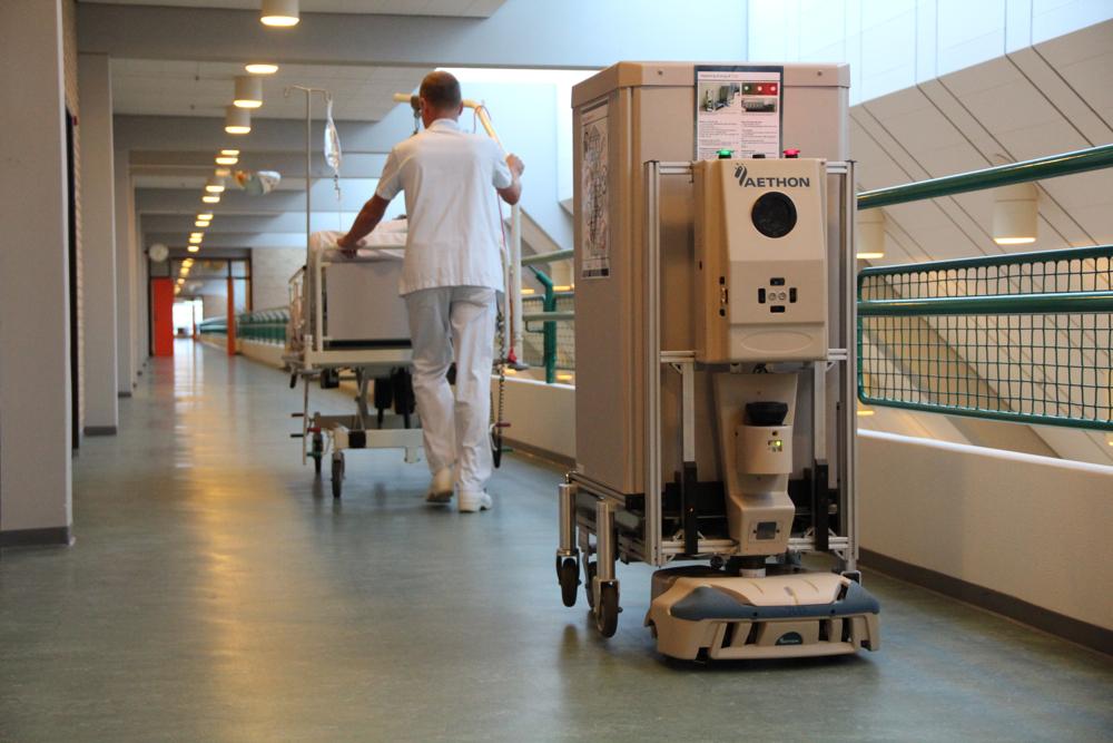 AETHON-logistic-hospital-robots-03.jpg