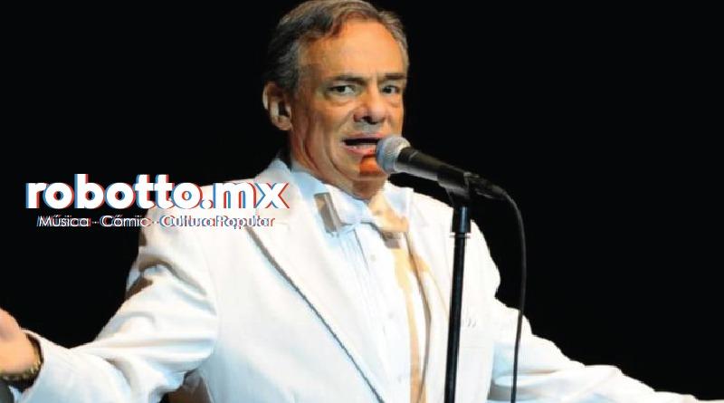 Homenaje a José José en el Zócalo Capitalino