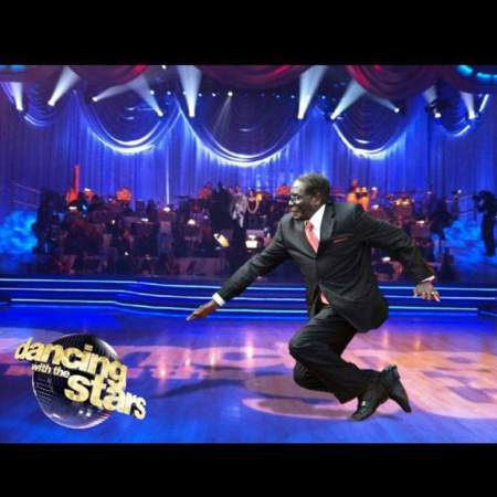 dancingmugabe  #MugabeFalls