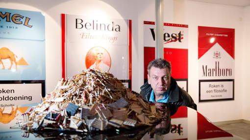 Rob Scholte in Dordrecht bij zijn expositie 'The Best of Rob Scholte' © ANP