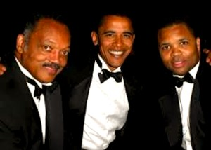 "Jesse Jackson Sr., Obama & Jesse Jr. wearing ""black tie"" (foto Before It's News)"
