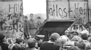 9 november 1989 de Berlijnse Muur wordt neergehaald