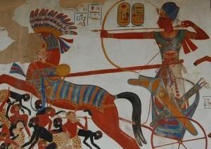 Ramses II in zijn strijdwagen (2)