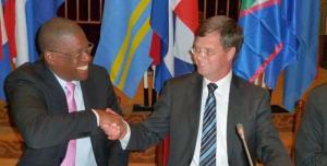 Win-win? Nederland blij met minder aansprakelijkheid – IFG bestuur en Sopi management op de eilanden nog blijer met meer witwasvrijheid (foto Rene Roodheuvel)