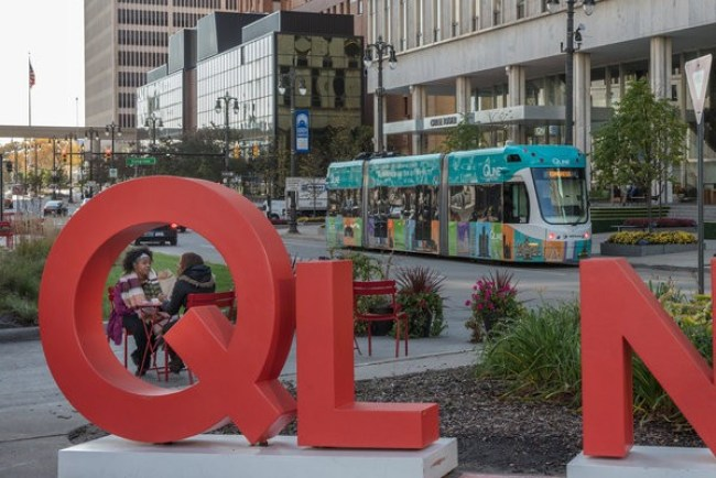 Ql n e (Qline streetcar Detroit, foto Tony Cenicola:The New York Times)