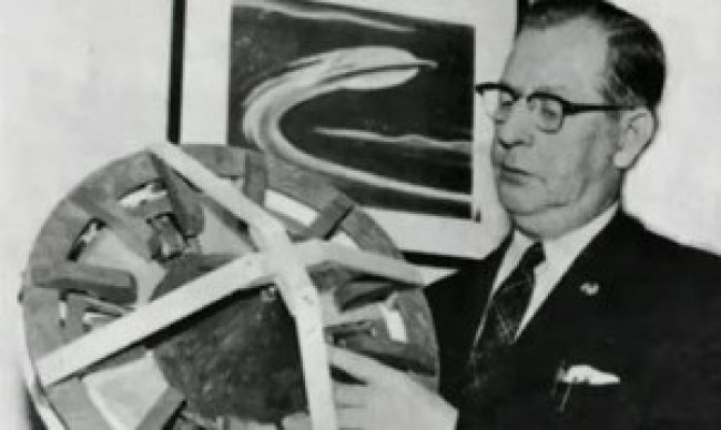 Otis Carr with anti gravity vehicle model