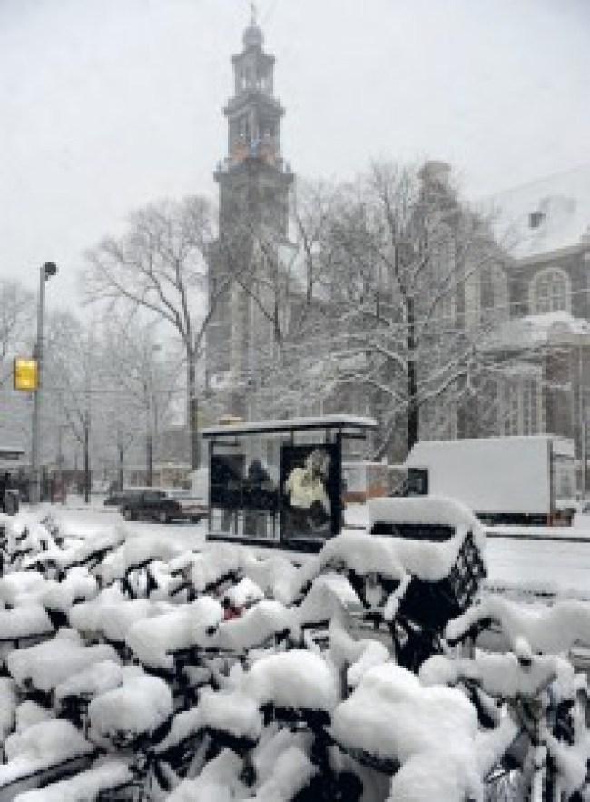 Sneeuw bij de Westerkerk