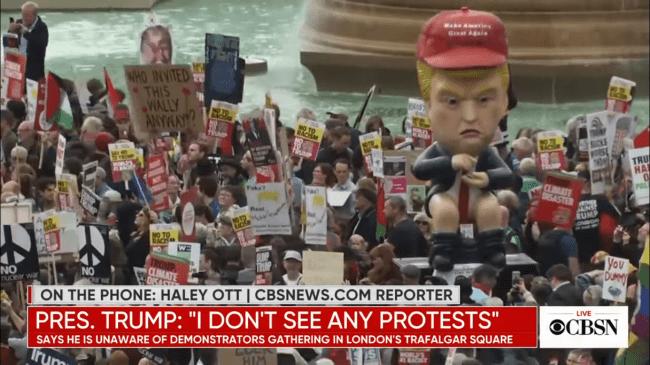 Trump Twittering on Toilet (foto CBSNews)