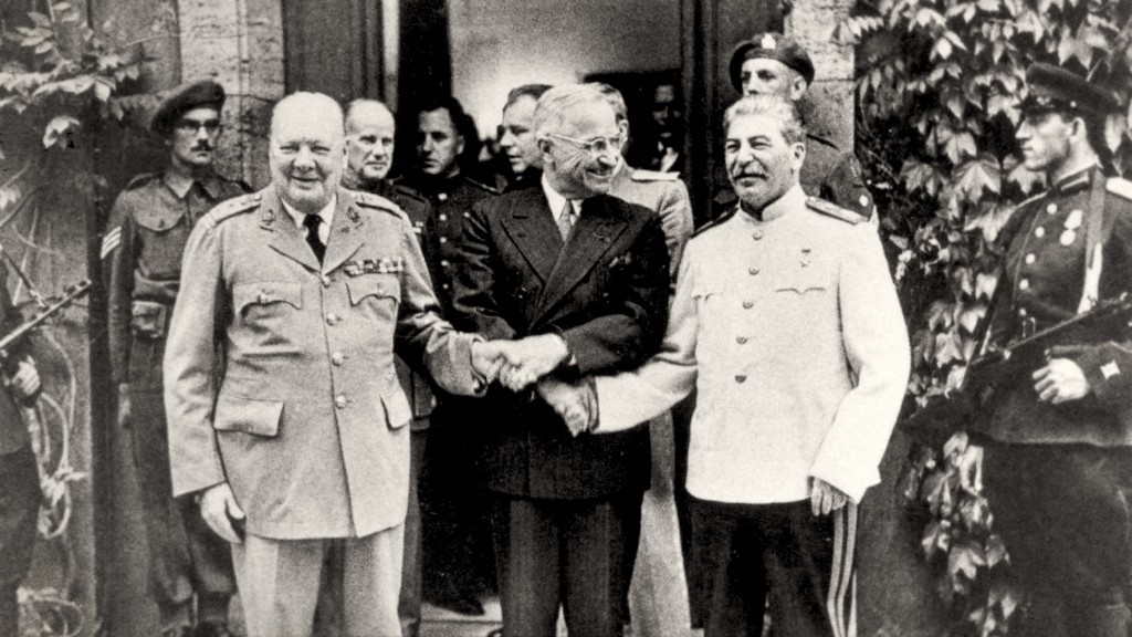 Here's how the Truman doctrine established the Cold War (foto history.com)