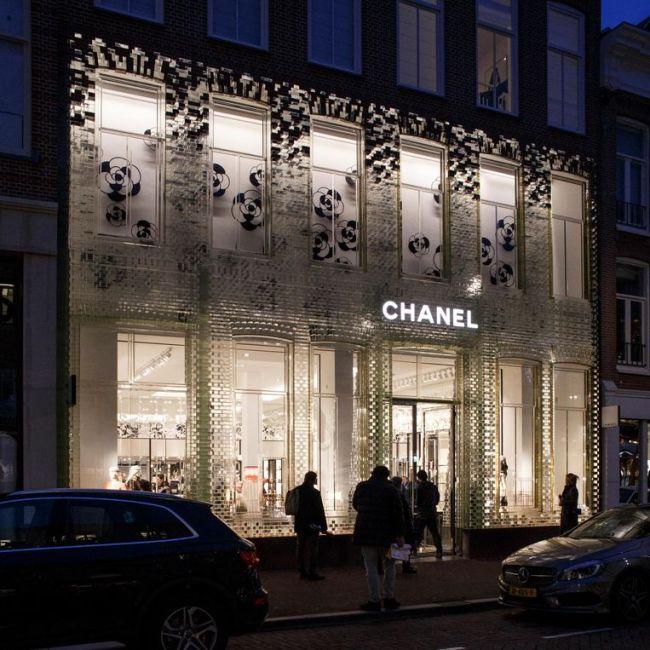 De Chanelwinkel in de P.C. Hooftstraat (foto Carly Wollaert)