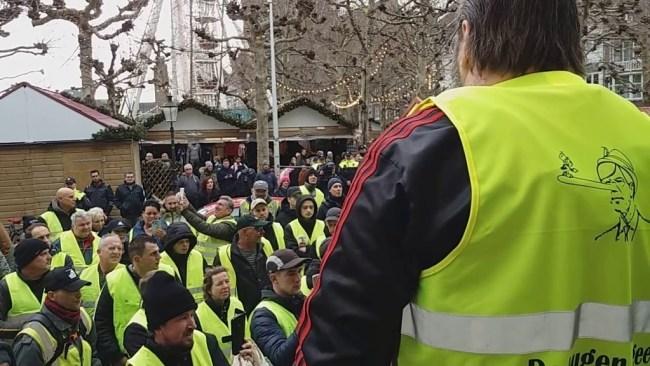 Gele Hesjes wandeling Maastricht (foto Tessa reporter)