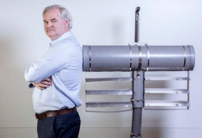 Uitvinder Erwin Croughs haalt met Slow Mill energie uit golven 'Als er één goed werkt, kunnen we er duizenden bouwen (foto Guido Benschop)