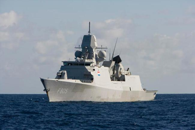 Luchtverdedigings en commando fregat Zr. Ms. Evertsen (foto Defensie)