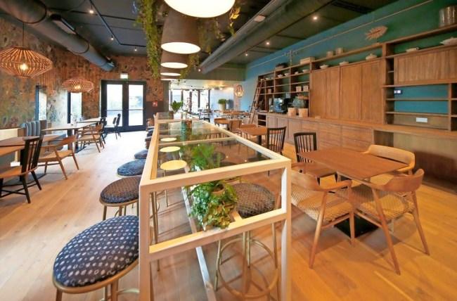 Alles ziet er schitterend uit, zoals hier in ontbijtzaal 'De Stadstuin' (foto Marc Moussault)