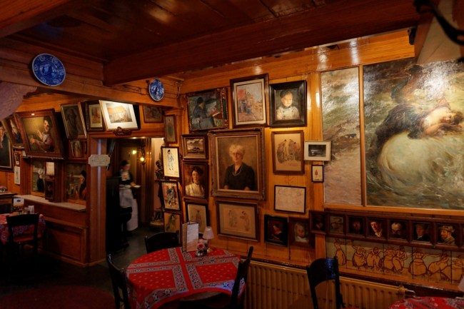 Volendam - Haven - Hotel Spaander - Interior View - Many Artists paid their Stay in the Hotel with Paintings