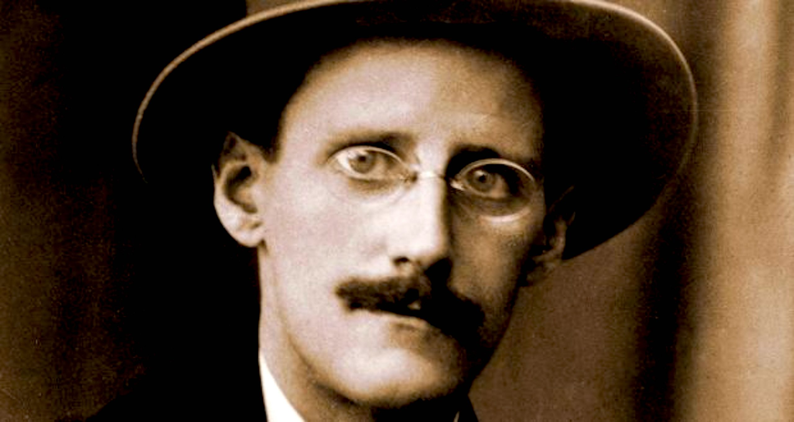 James Joyce, the emigrant who left Dublin in body but not in mind (foto Irish Times)