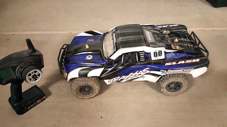 Traxxas 1/10 scale short course truck