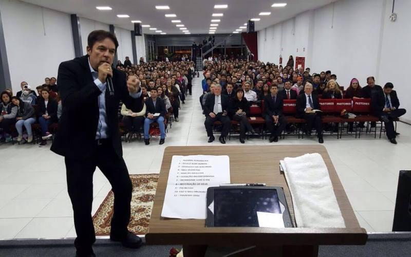 Saiba como foi a palestra Batalha Espiritual 3, em Caxias do Sul/RS