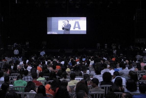 Bispo Rodovalho destaca no Treinamento Avançado de Líderes sobre modelo x modismo