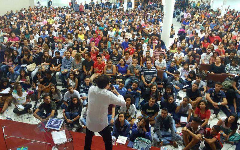 Saiba como foram as palestras sobre Plenitude e Batalha Espiritual em Belo Horizonte
