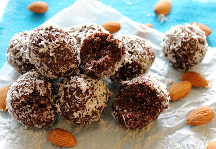 Almond-joy-raw-energy-balls3