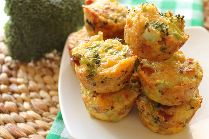 broccli--and-cheddar-bacon-quinoa-bites1
