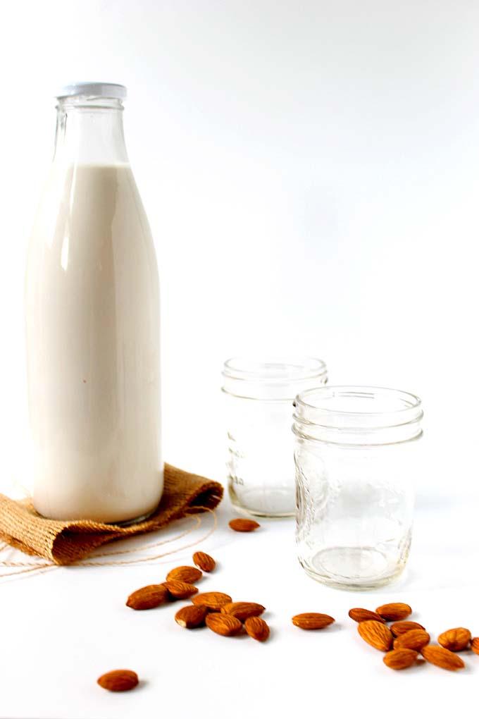 Homemade-almond-milk2
