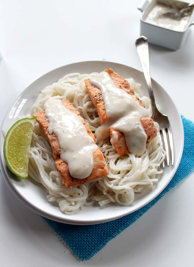 Salmon with Coconut Sauce. Delicious. Easy. Healthy #glutenfree #salmon