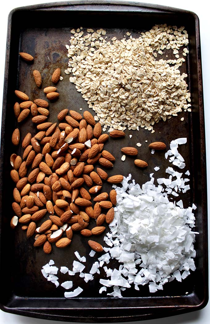 Almond Coconut Chocolate Chip Granola Bars. #GlutenFree #RefinedSugarFree #Vegan