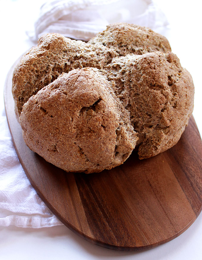 Irish Brown Soda Bread. Easy to make. Hearty. Perfect for dipping in stews. #HomemadeBread