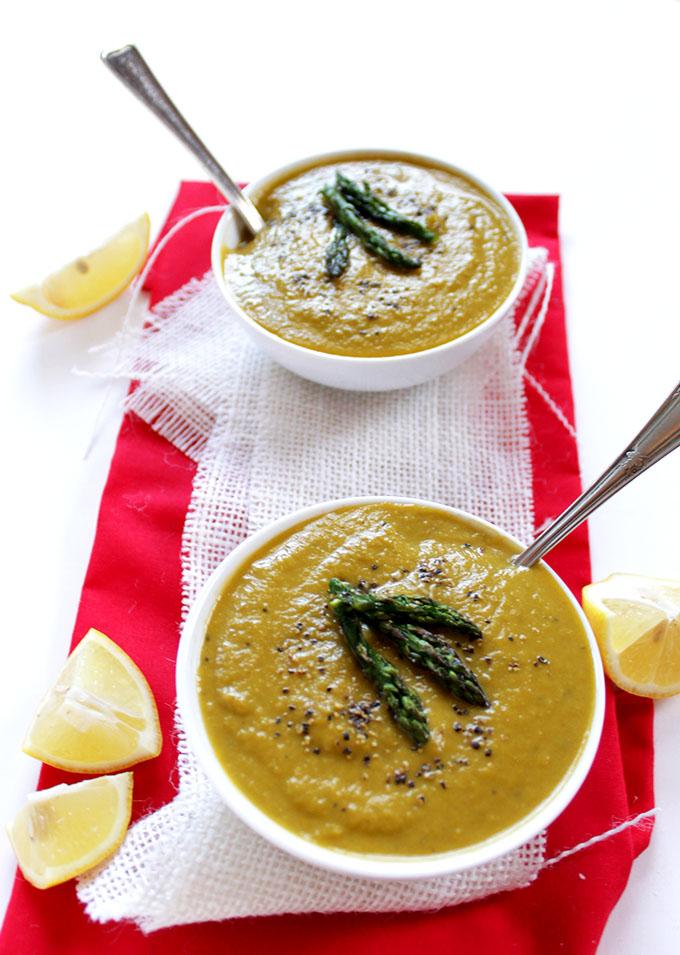 Creamy Asparagus Soup. No Cream needed. Simple, easy, heathy, delicious. #glutenfree #vegetarian