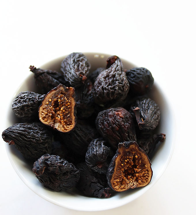 Dried Figs for Roasted Sweet Potato Fig Soup. | robustrecipes.com
