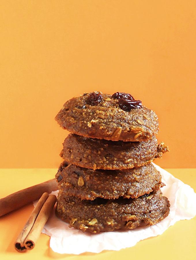 Pumpkin Oatmeal Raisin Cookies. A must for fall-time baking! #glutenfree #pumpkin  | robustrecipes.com