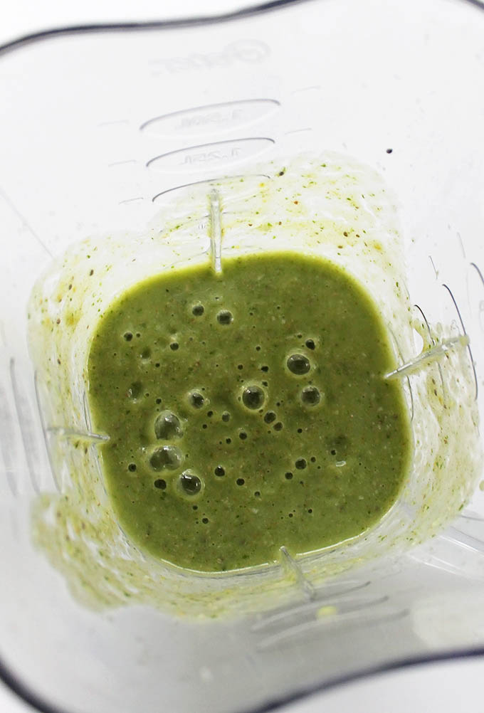 Pear Coconut Green Smoothie. So EASY, so delicious, and HEALTHY!
