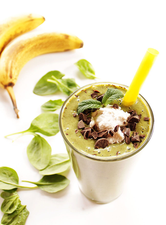 Healthy Shamrock Shake - A sweet, minty treat for St. Patrick's day! Bananas, almond milk, chia seeds, spinach, and peppermint extract! SO TASTY! Vegan/Dairy Free/Gluten Free! | robustrecipes.com