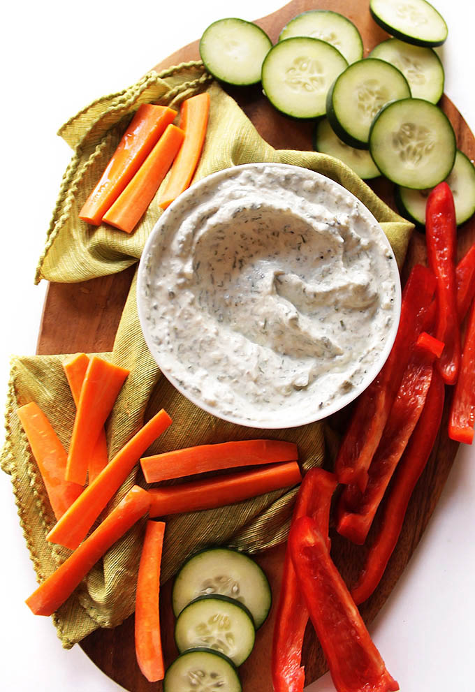 Skinny Ranch Dip - Thick, creamy ranch dip with that's actually HEALTHY for you. It's made with nonfat Greek yogurt, lots of protein and live active cultures. Only takes 10 minutes to make! This ranch dip is great served with any and all veggies! Gluten Free | robustrecipes.com