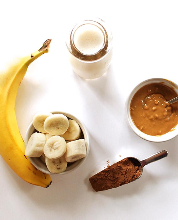 Ingredients for Chocolate peanut butter banana smoothie! Vegan/gluten free