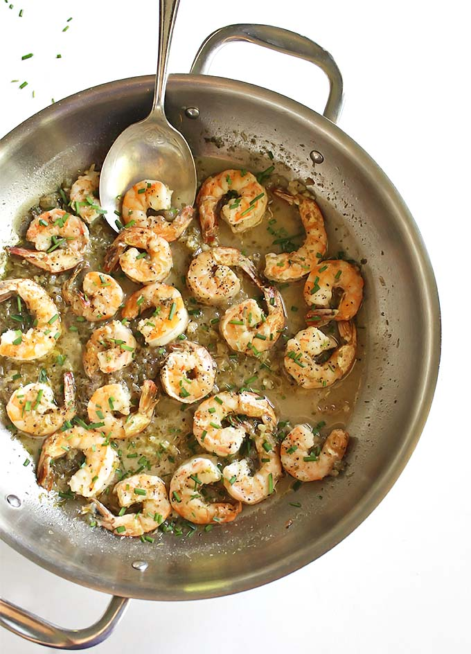 Shrimp in white wine sauce - a quick and easy meal that only takes 20 minutes to make, requires 9 ingredients and 1 pan! Perfect for weeknights! Seriously so much flavor! Gluten Free   robustrecipes.com