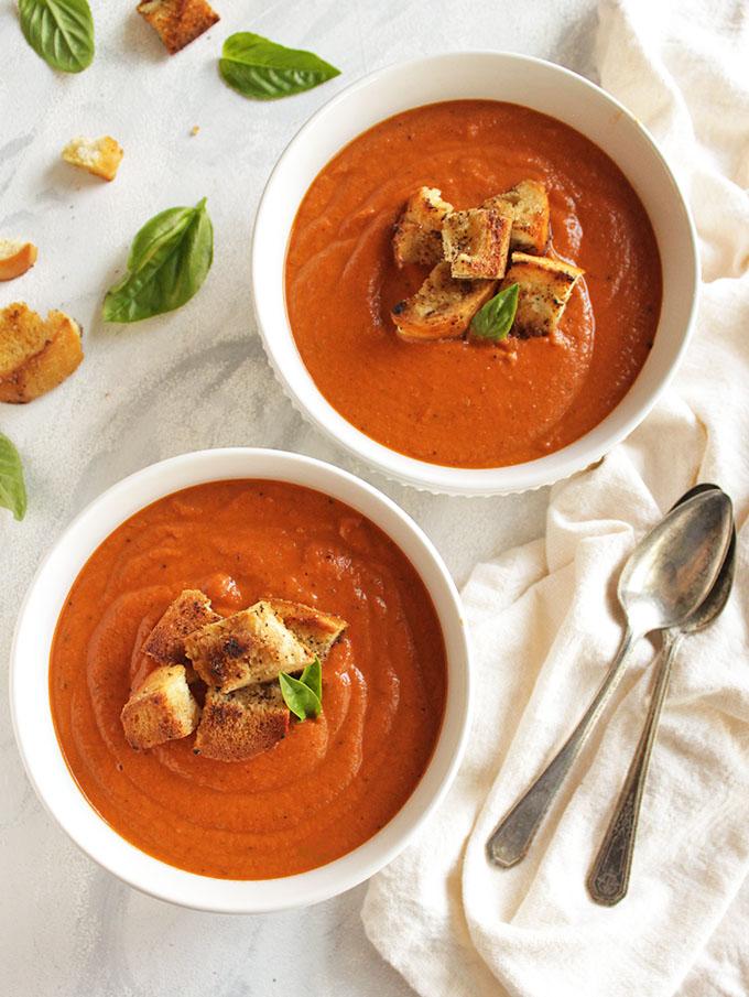 15 Minute Creamy Tomato Basil Soup