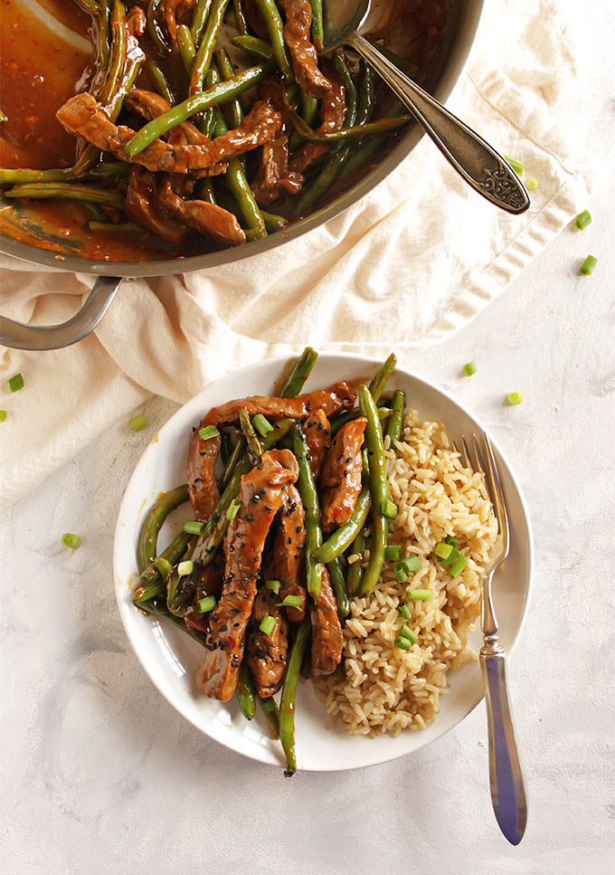 Asian Steak and Green Beans Stir Fry - Steak and green beans that are stir fried in an Asian inspired sauce. This recipe only requires 1 pan and 30 minutes to make. The perfect weeknight dinner. (Gluten free/Dairy Free) | robustrecipes.com
