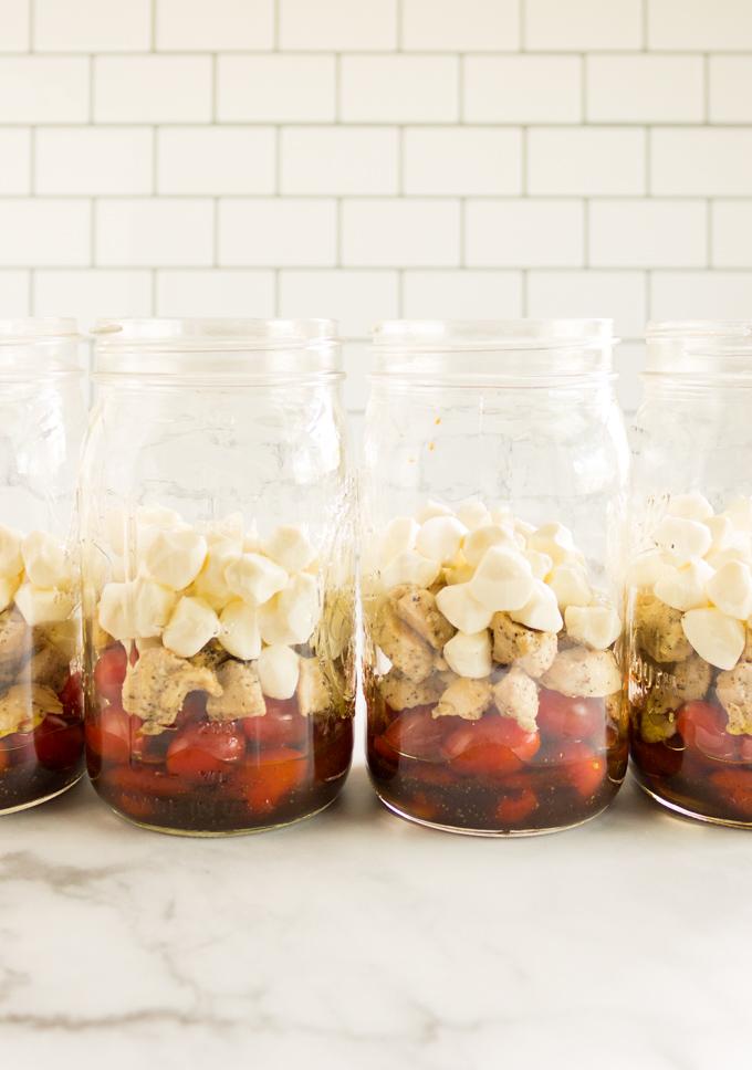 Caprese Mason Jar Salad Recipe