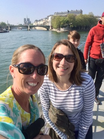 Relaxing cruise on the Seine