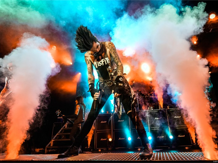 Black Veil Brides Sell Out Charlotte Black Mass Tour