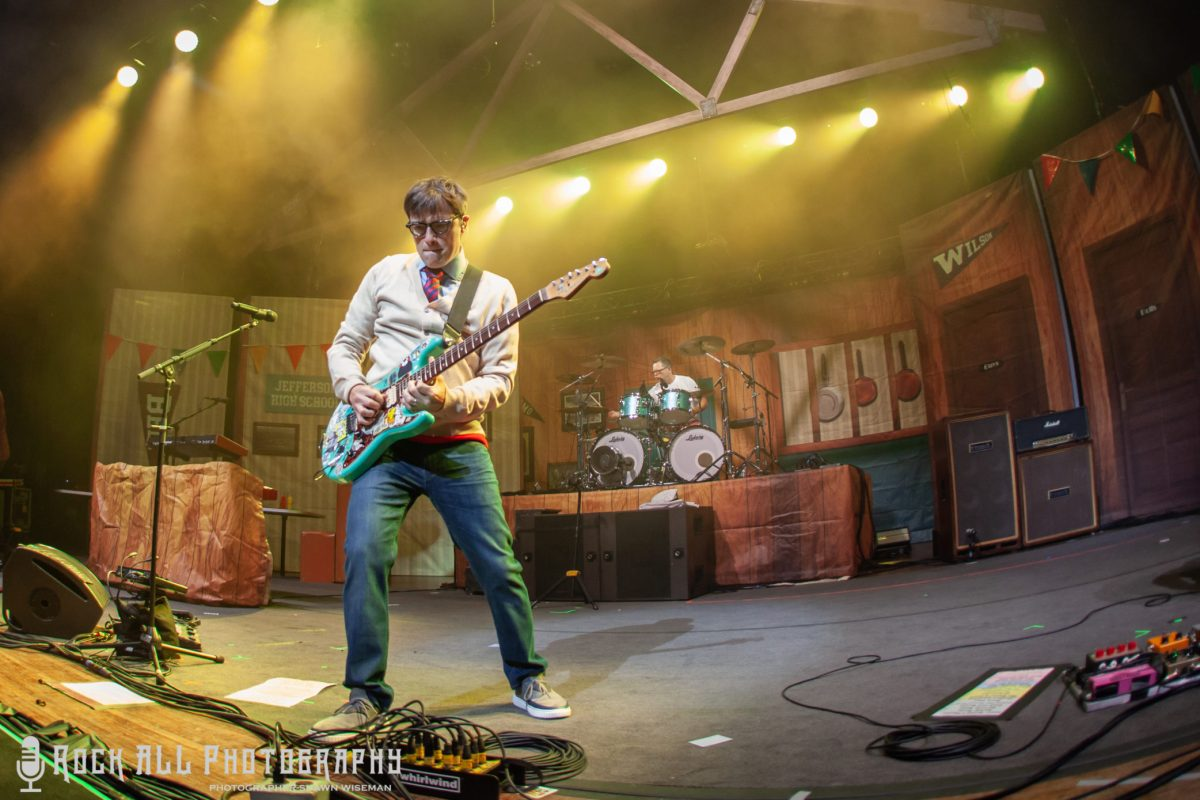 Weezer and Pixies were absolutely OUTSTANDING at Riverbend Music Center in Cincinnati, OH! Check out our photo's of the show here!